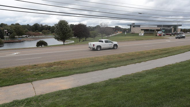 Planners say a long-discussed project to construct a pedestrian tunnel under Fulton Drive NW between Jackson High School and North Park is on track to be done next year.