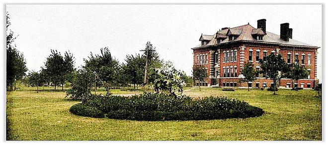 This land is now home to a larger Wethersfield school complex, but in 1911 it was the site of the Wethersfield Commons, the Blish School and lots of recreation space.