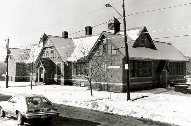 The former Indian Hill Elementary School, in 1981