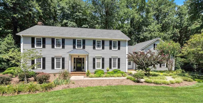This home recently sold in Simpsonville, South Carolina, for $665,000.