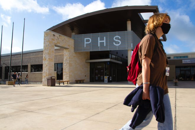 The Pflugerville school board voted to let all district employees be granted eight additional paid leave days if they receive a positive COVID-19 test during the 2021-22 school year.
