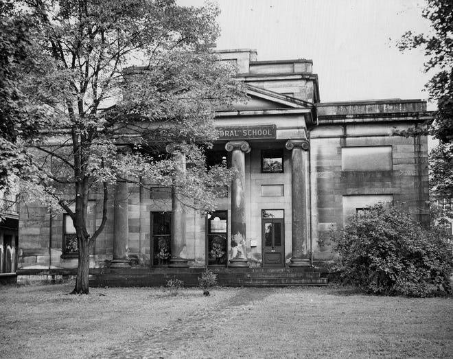 The old Alfred Kelley Mansion, formerly at 282 E. Broad St.