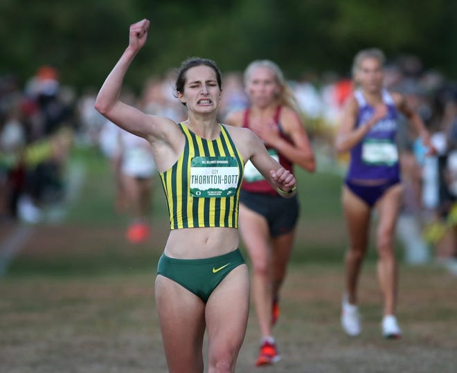 Izzy Thornton-Bott, running unattached but committed to Oregon, wins the women's Dellinger Invitational at Pine Ridge Golf Club on Thursday.