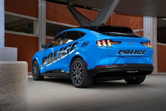 Un nouveau véhicule de police basé sur le SUV Ford Mustang Mach-E 2021 vient de devenir le premier véhicule tout électrique à passer les tests de la police de l'État du Michigan, a annoncé Ford le vendredi 24 septembre 2021.