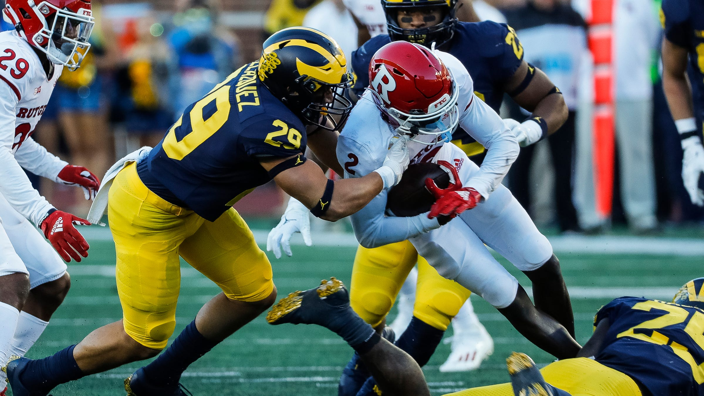 Michigan football: Defensive players stepped up as offense flopped