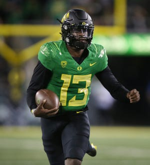 Oregon quarterback Anthony Brown, seen here during a 41-19 win over Arizona on Sept. 25 at Autzen Stadium, struggled throwing the ball during the Ducks' Oct. 2 loss at Stanford.