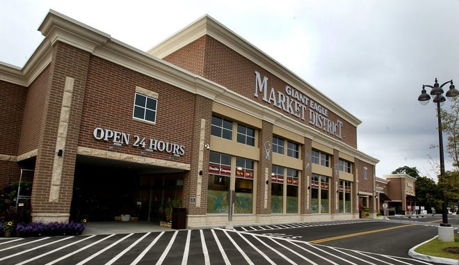 The Giant Eagle Market District store in Solon. [Beacon Journal file]