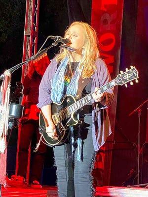 Melissa Etheridge performs Saturday during the last night of Camp Leavenworth.