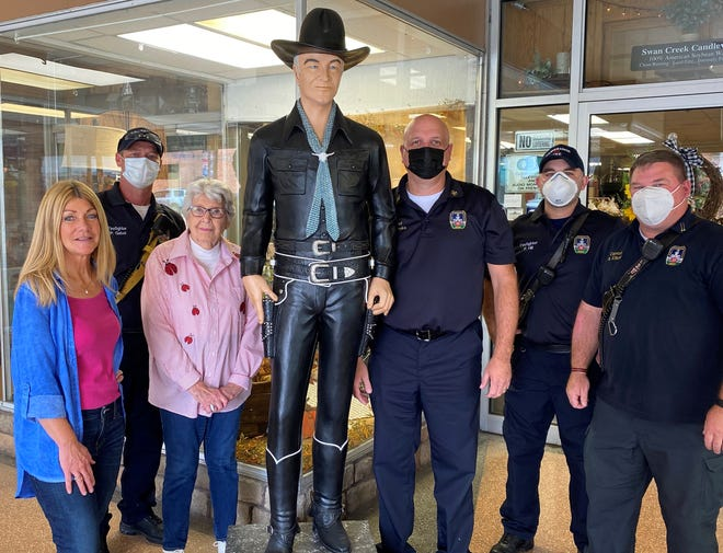 A Hopalong Cassidy statue owned by Laura Bates has called Country Bits & Pieces home since a 2016 fire destroyed the Hopalong Cassidy Museum in downtown Cambridge.