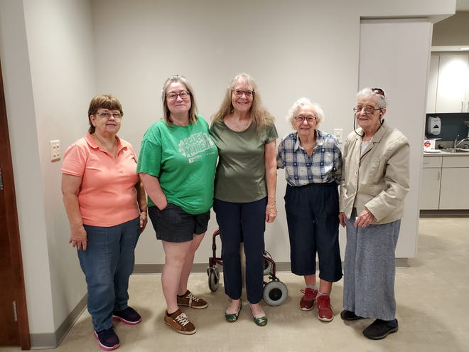 The World Outlook Club of Colo held its last meeting on Sept. 4 with membersCheryl Voyna, Becky Jordan, Joyce French, Ellen Rieseand Claudia Fisher.