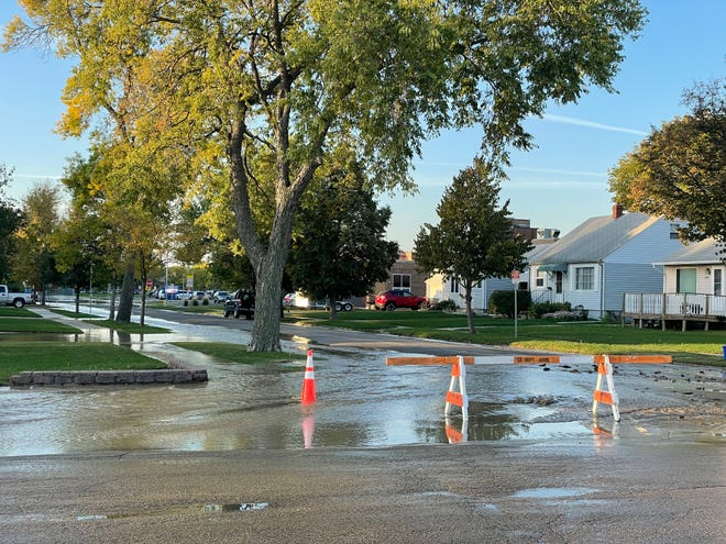 City workers have barricades up at the intersection of 12th Avenue Southwest and South Third Street Tuesday.