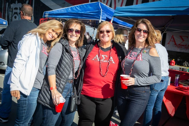 ESU Alumni at the All University Tailgate during ESU's 2019 Homecoming Weekend.