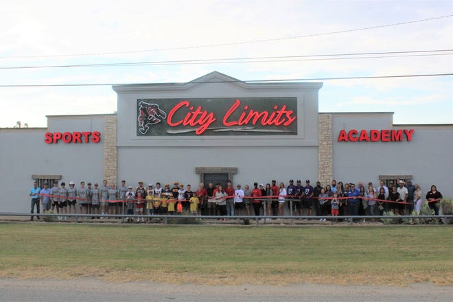 The Stephenville Chamber of Commerce celebrated new member City Limits Sports Academy with a ribbon cutting on Monday, Sept. 20. City Limits Sports Academy is an elite sports training facility focused on creating top tier youth baseball and softball athletes that are ready to succeed. Services include private instruction, camps, clinics, and batting cage rentals with memberships available for discounts on training and Pro Shop gear. City Limits Sports Academy offers next level technology designed to improve and develop young athletes into elite players. Check out their Pro Shop for all of your baseball and softball needs featuring top of the line gear from all major brands. Find the perfect bat, glove, bag, or helmet for taking your game to the next level. For more information, visit bit.ly/CityLimitsSA