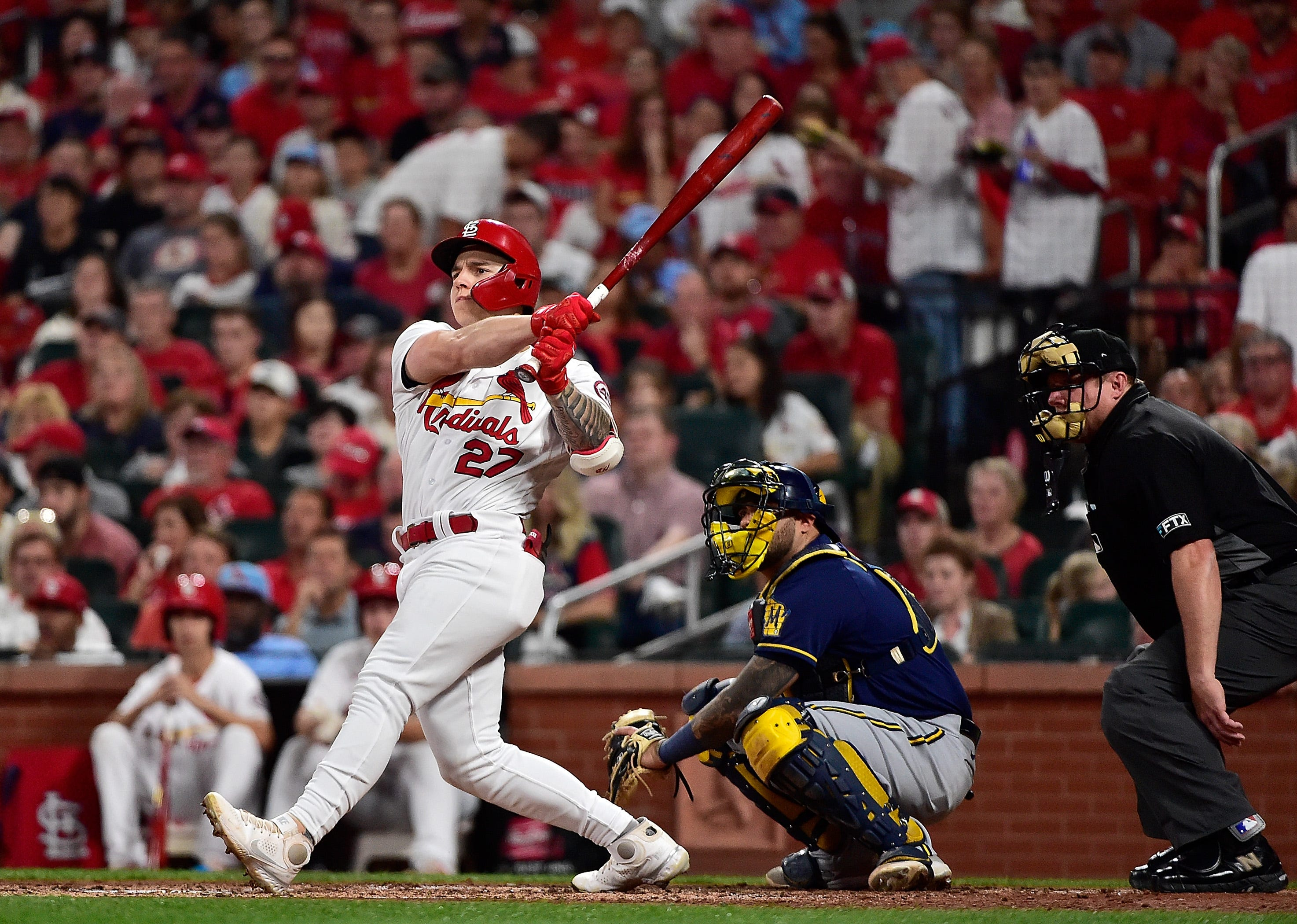 St. Louis Cardinals win 17th straight game, clinch National League wild-card spot