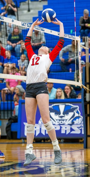Glen Rose's Avery Gray readies for a back set against Lampasas on Tuesday.