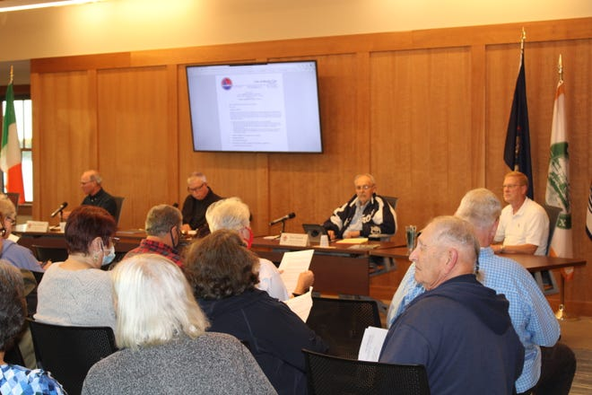 Boyne City Commissioners moved forward with plans for marina expansion at the public meeting on Sept. 28.
