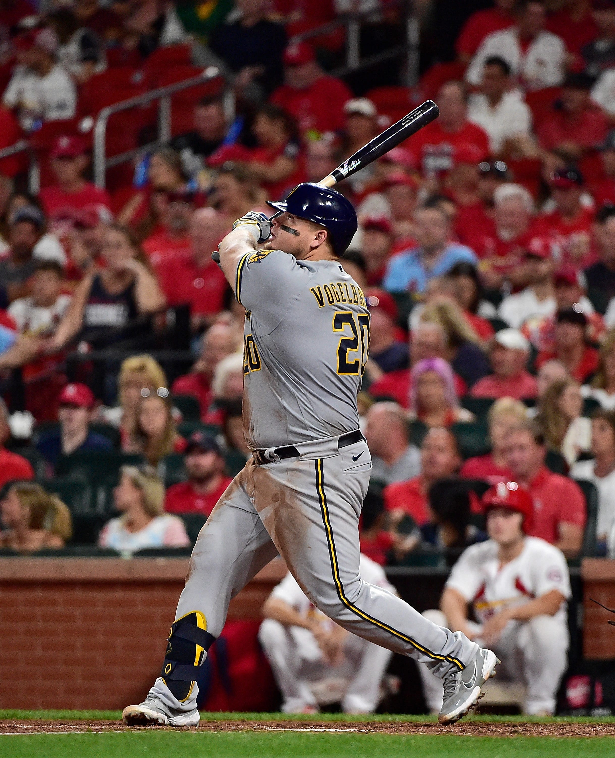 Milwaukee Brewers rally after bad news to win 50th road game, snap St. Louis Cardinals  winning streak