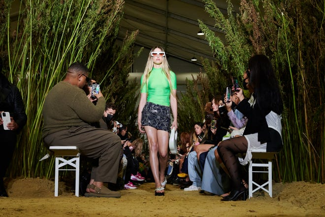 Eve jobs go on the runway during the Coperni Womenswear spring / summer 2022 show as part of Paris Fashion Week on September 30, 2021 in Paris.