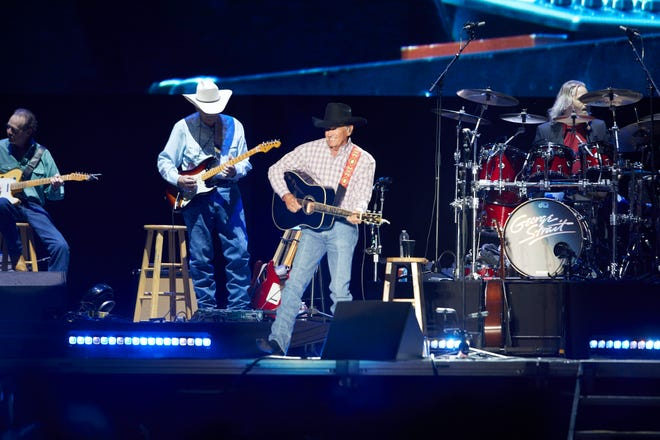 George Strait performs at the Ladybird stage of ACL Fest on Friday October 1 2021. Dave Creaney // American Statesman
