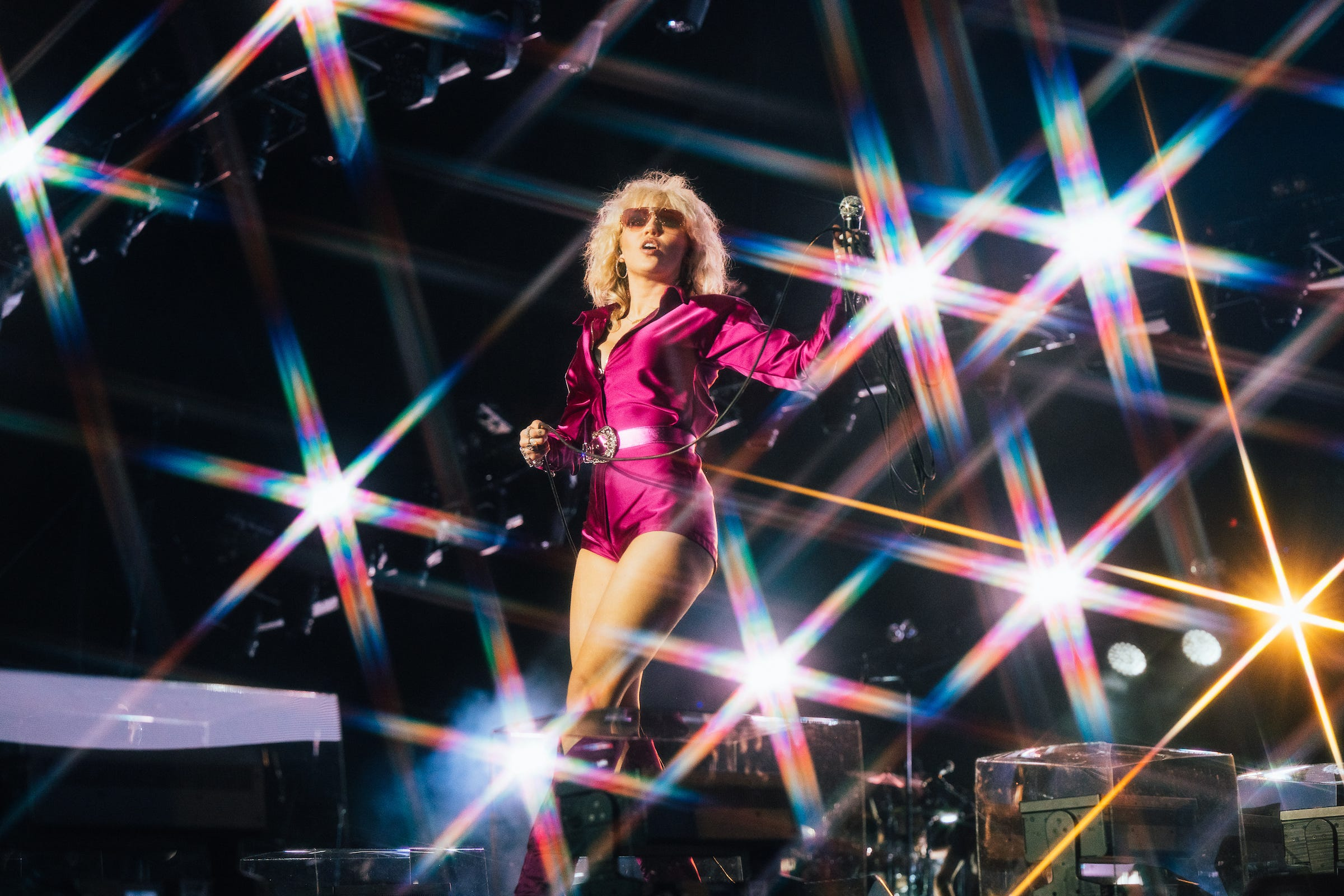 Miley Cyrus, rock goddess, communes with Janis Joplin s spirit in Austin City Limits debut