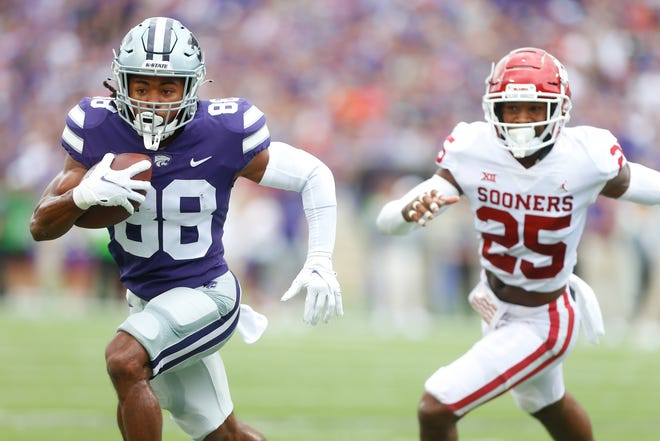 Kansas State  wide receiver Phillip Brooks (88) scores on a fourth-down completion from Skylar Thompson against Oklahoma on Saturday at Bill Snyder Family Stadium.