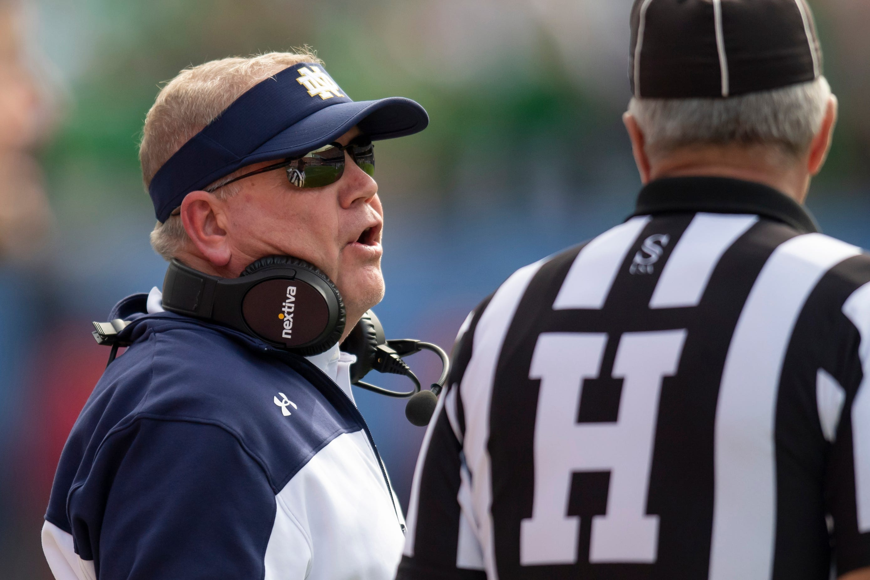 Brian Kelly's halftime speech: 'You're gonna play the right way, or you're not gonna play'
