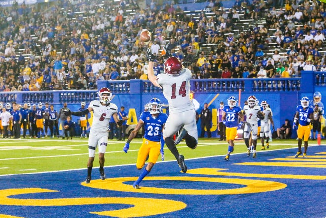 Cole Harrity pulls in a first half touchdown pass as New Mexico State traveled to San Jose State on Saturday.