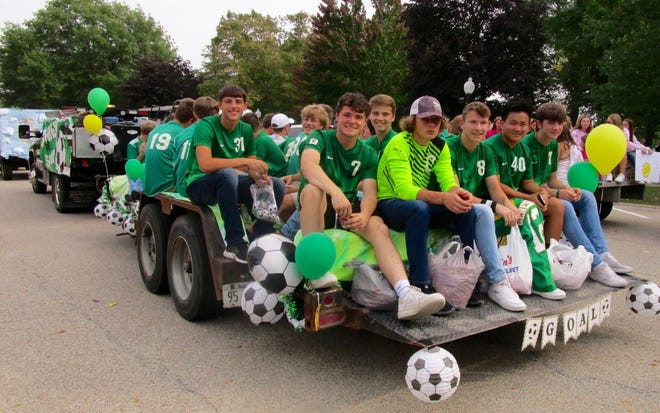 The Geneseo Boys' Soccer Team in the 2021 Homecoming Parade.