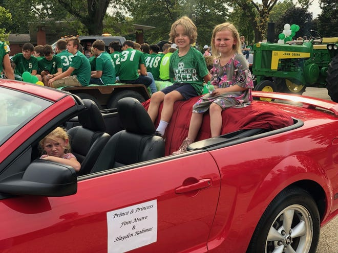 Finn Moore and Hayden Rahmus were the Prince and Princess in Geneseo's Homecoming Parade.