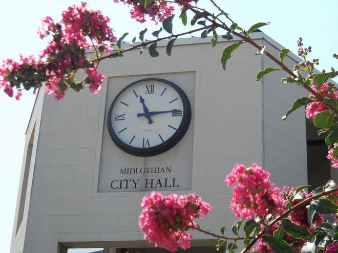 Midlothian City Hall is located downtown at 104 West Avenue E.