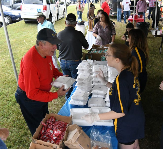 The 16th annual Veterans Appreciation and Outreach Picnic served up 800 meals midday Saturday on the campus of Arkansas State University-Mountain Home.