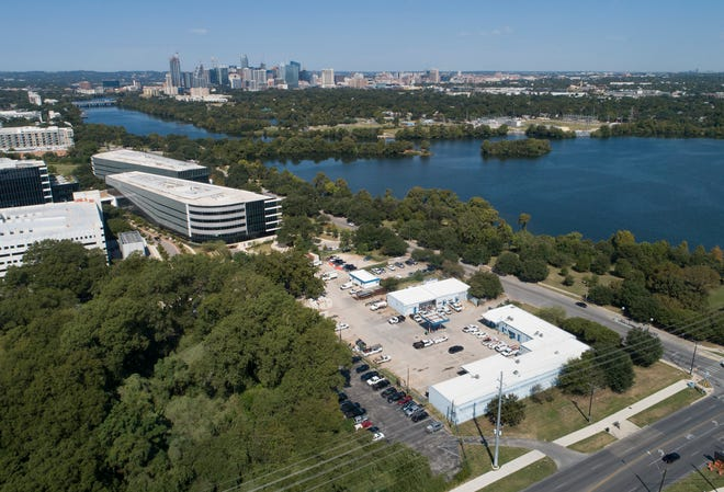 If the proposed land swap is completed, software giant Oracle would receive a 9-acre piece of city-owned property right next to its corporate headquarters at South Lakeshore Boulevard and South Pleasant Valley Road.  The site, in the foreground, is being used as a maintenance facility.