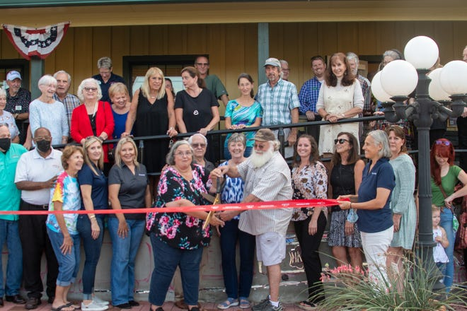 The Smithville Chamber of Commerce held a ribbon cutting ceremony/grand opening for its new building, which will also house the visitor center and museum.