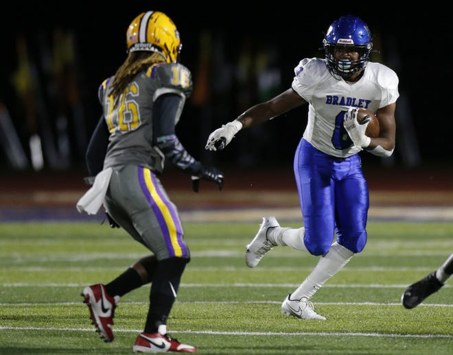 Hilliard Bradley's Mitchell Robinson Jr. earned our Player of the Week honor for Week 7, based on a staff vote.