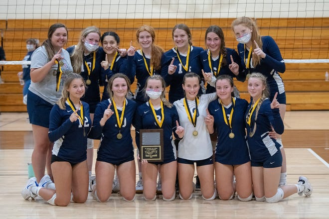 The Sault High junior varsity volleyball team won the St. Ignace B.C. Pizza Invitational this past Saturday. The Blue Devils defeated host St. Ignace 25-12, 25-23 in the championship match. Sault High stat leaders for the tournament included Jada Hall-Pine with four digs, Fairyn Novak with four aces and six kills, Lexie Landis with four kills and Annabelle Fazzari with four kills. Abby Kabelman had 13 digs and nine kills, while Camden Romano had three aces and four kills. Emma Kitzmiller had three aces, three digs and three kills, while Danica Bergeron added two aces, two digs, four assists and three kills. Lucy Huskey served 11 aces and had 25 digs, while Gussy Smith had 13 aces, 15 digs, 28 assists and nine kills. Samantha Grossett had four aces, 13 assists and five kills and Hilarie Porcaro had 13 digs and 22 kills.