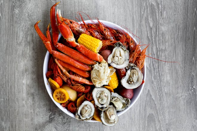 """Cajun Steamer Bar & Grill wants to create the ultimate Louisiana experience in """"The Boreaux"""" through live music, a """"come as you are'' party atmosphere and authentic Cajun and Creole dishes. The menu focuses on Louisiana-style boils, including a steamed seafood platter."""