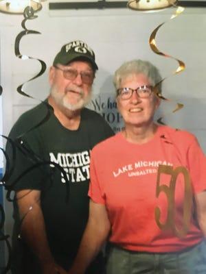 MR. AND MRS. DOUGLAS C. (BONNIE A.) JENNINGS