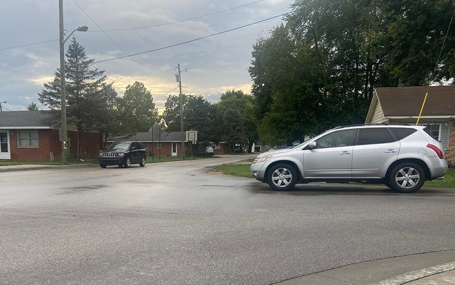 Vehicles make their way through the intersection of South Street and Home Avenue on Wednesday.