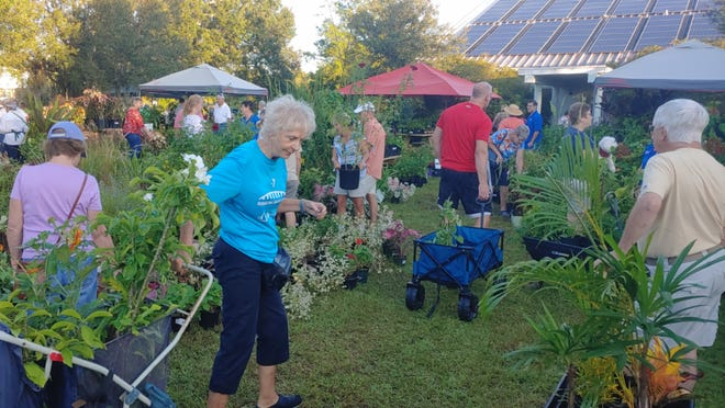Proceeds from the plant sale benefit the Master Gardeners Chapter of the Friends of Sarasota County Parks. To register, visitbit.ly/3mr2xUh.