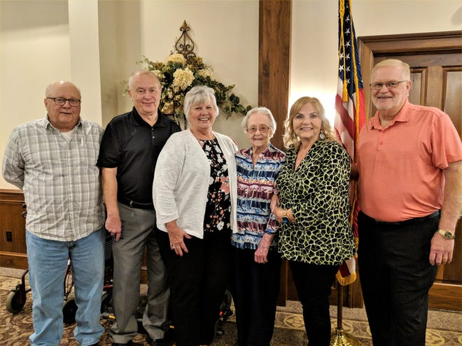 Springfield High School Class of 1941 graduate Carol Cochran (third from right) is joined by son, John (1967), son Jeff (1969), daughter-in-law Debbie (1971), daughter-in-law Laura (1971) and son Mick (1970) as members of the school's 50-Plus alumni group.