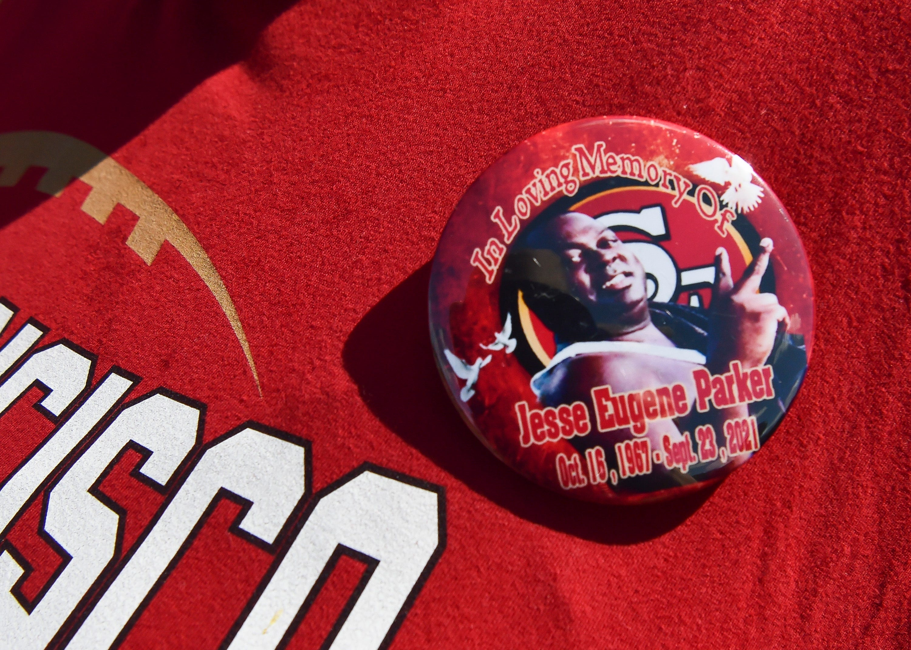 As COVID-19 vaccine efforts continue, 'gentle giant' remembered with 49ers theme | Opinion