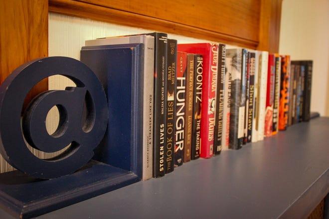 Archive Book Cafe en Fall River venderá libros usados en consignación, con una amplia selección para los lectores.