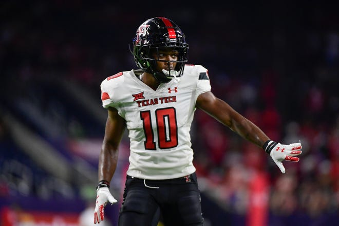 Texas Tech wide receiver Kaylon Geiger (10) became a father two months ago and his established as one the Big 12's most dangerous deep threats in recent weeks.