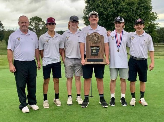 The Izard County Cougars won the Class 1A State golf championship on Wednesday.
