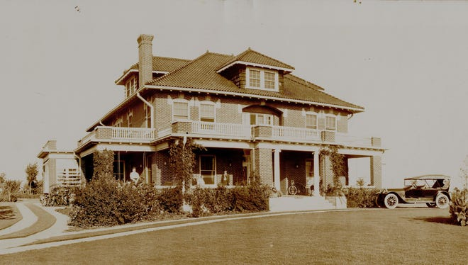 The Kemp mansion faced Tenth Street at Grant. Few other homes were in the new Floral Heights addition at the time