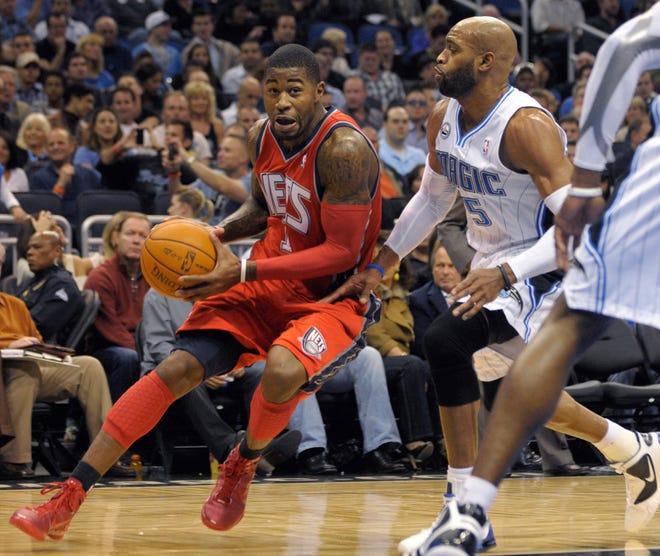 Các công tố viên cáo buộc Terrence Williams (trái) đã dàn dựng một kế hoạch với 17 cầu thủ NBA đã nghỉ hưu khác để lừa dối kế hoạch chăm sóc sức khỏe của giải đấu với số tiền 3,9 triệu USD.