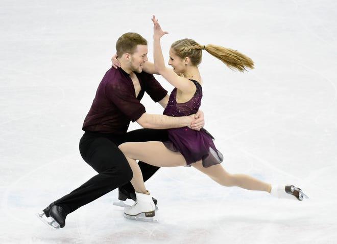 Tarah Kayne cùng Danny O'Shea thi đấu tại Giải vô địch Trượt băng nghệ thuật Hoa Kỳ 2016.