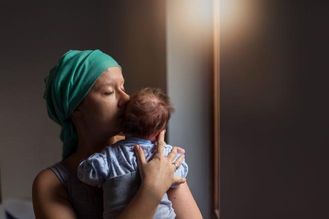 Tháng 10 là Tháng Nhận thức về Ung thư Vú.  Ngày càng có nhiều người bị ung thư vú sống lâu hơn với chất lượng cuộc sống tốt hơn.