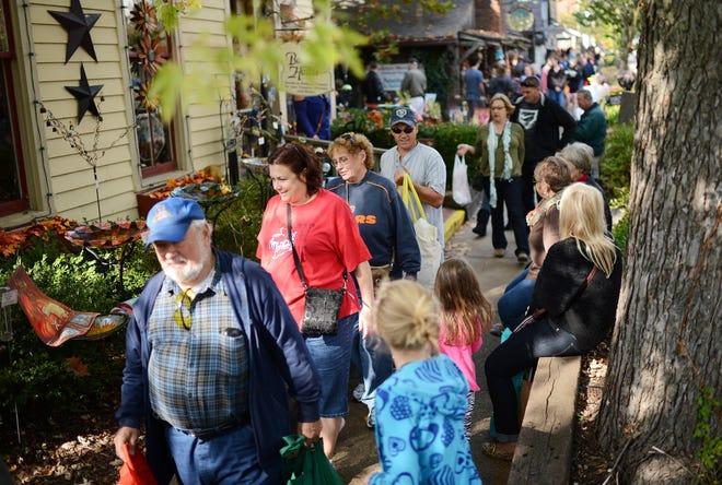 Shoppers fill the sidewalks near Van Buren Street in Nashville in 2013.