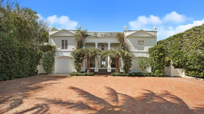 A renovated lakefront house on the South End of Palm Beach at 124 Parc Monceau has sold for $10.15 million, the price reported in the local multiple listing service.